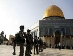 Israel closes gate to Al-Aqsa Mosque