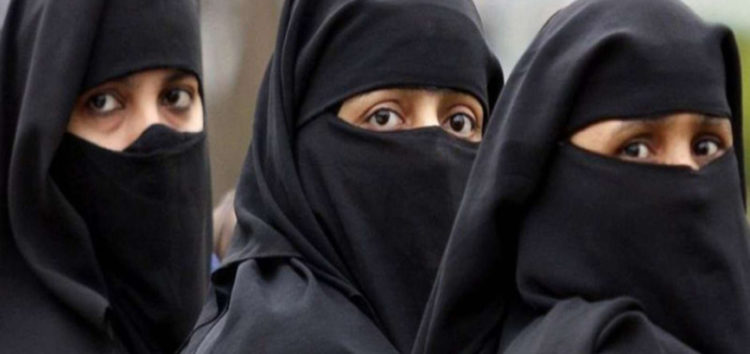 Sri Lanka bans niqab in public places