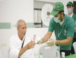 Saudis volunteer to aid Makkah pilgrims during Ramadan