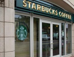 US: Muslim woman says she was attacked in coffee shop