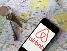 Travel booking giants urged again to ban Israel settlement listings