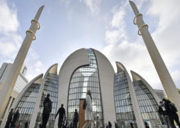 Mosque evacuated over bomb threat in Germany