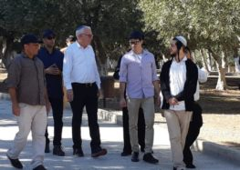 Israeli minister storms Al-Aqsa Mosque compound