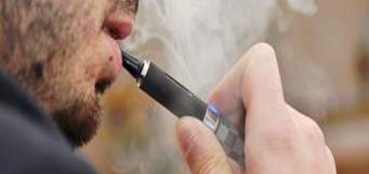 US doctors urge public to quit vaping as deaths, illnesses rise