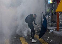 Hong Kong: Protestor critical after shot by police