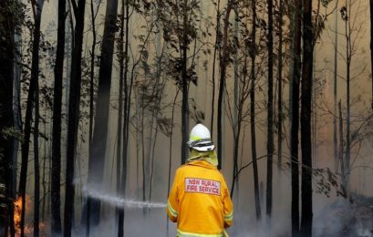Australians urged to evacuate as monster bushfires regenerate