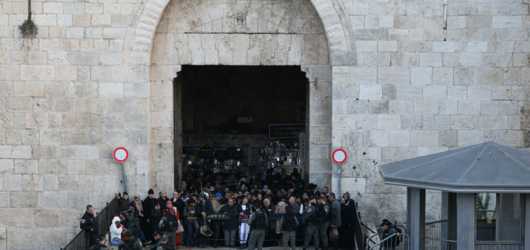Israel occupation forces close off Masjid Al-Aqsa compound