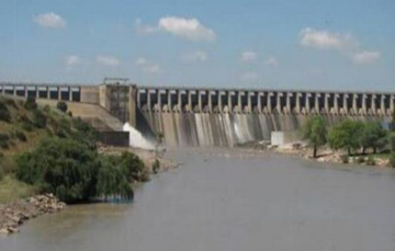 Dam levels are 'dangerously low' in drought affected KwaZulu-Natal' Vaal Dam at 30%