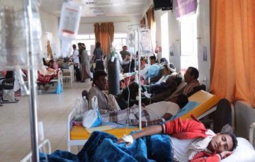 Yemen medical staff working while unpaid for a year