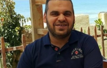 Gaza shopkeeper's act of kindness sparks #Forgive and you will be rewarded campaign