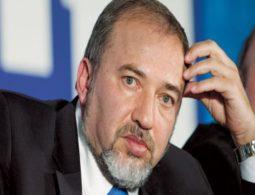 Lieberman eyes Mohamed Salah to join Israeli army