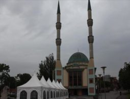 Netherlands sees rise in Islamophobia as Far-right groups attack 3 mosques