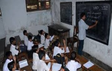 Indian primary school under fire for 'segregating Hindu pupils from Muslims'
