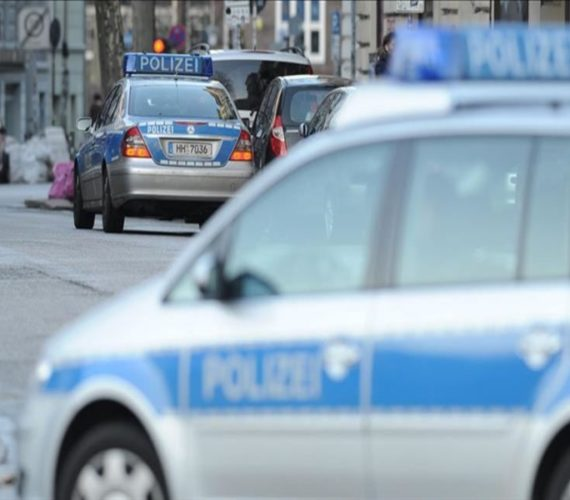 Germany: Police raids after bomb threats to mosques